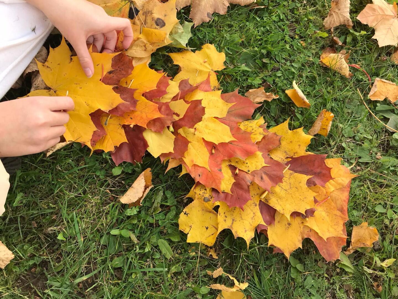 Kļavu lapu dekora veidošana